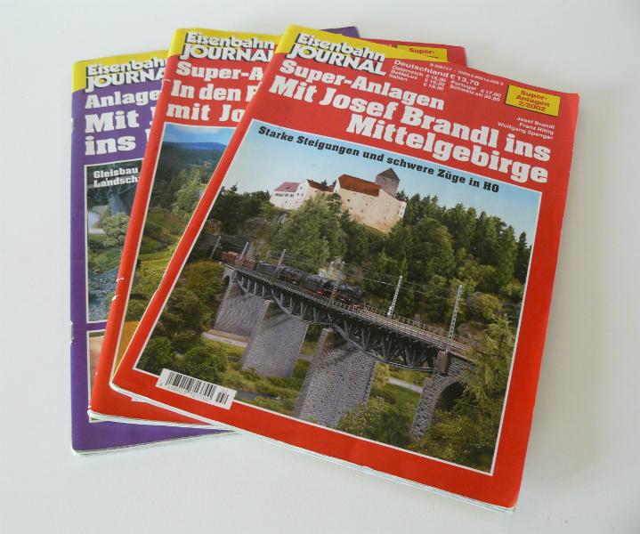 Po čase jsem pořídil ještě několik podobných publikací a speciálů MIBA  zaměřených na jednotlivá železničně modelářská témata. 73aa65bea3